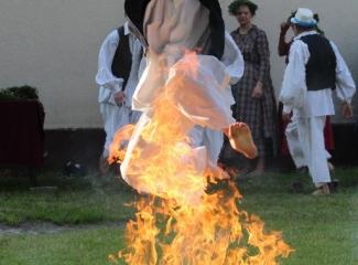 Priskakanje vatre na Svetog Ivana Cvitnjaka